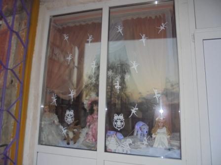 7  новогоднее оформление центрального окна
